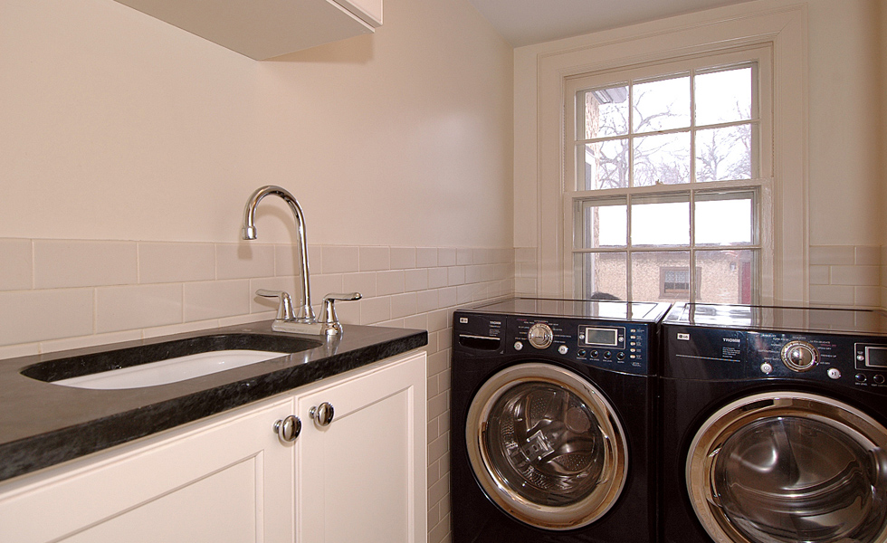 12-laundry-room-(2).jpg