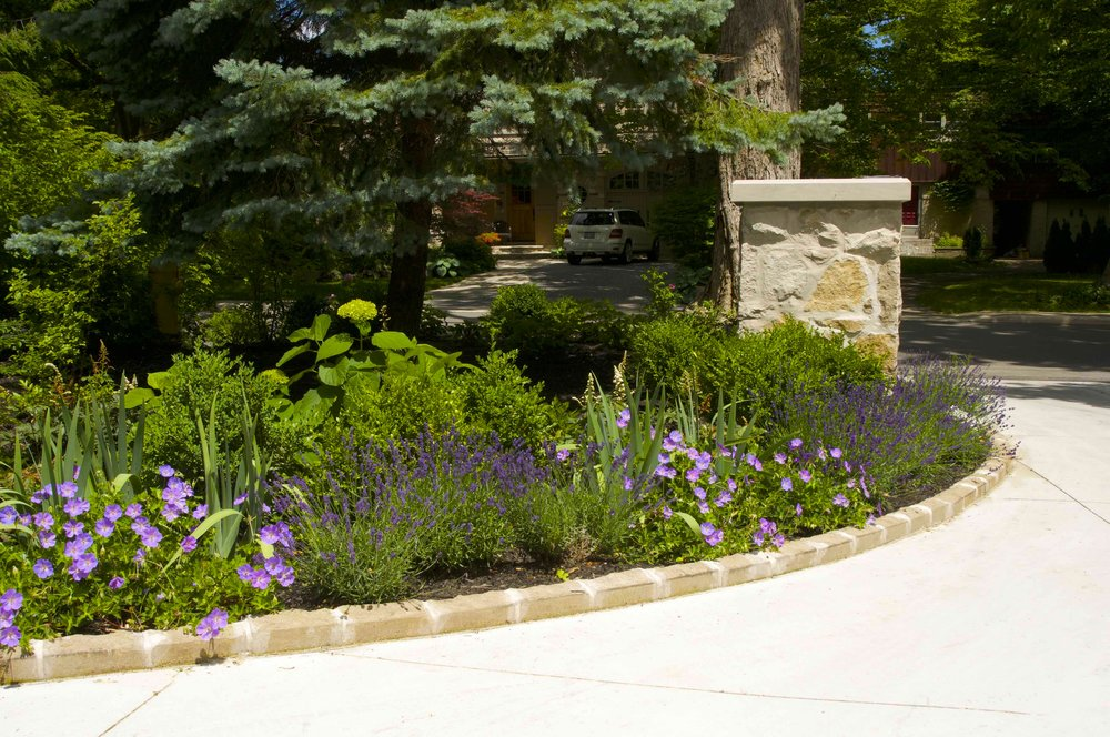 parkscpae, landscaping, custom, planting, pillar, indiana limestone, concrete driveway, toronto