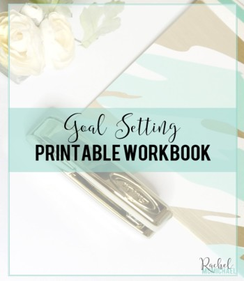 Goal Setting: How to Set Goals You'll Actually Accomplish {With Printables!} If you've been struggling to accomplish your goals, let's talk! Here you'll find my tried and true method for goal setting, and a workbook you can keep!
