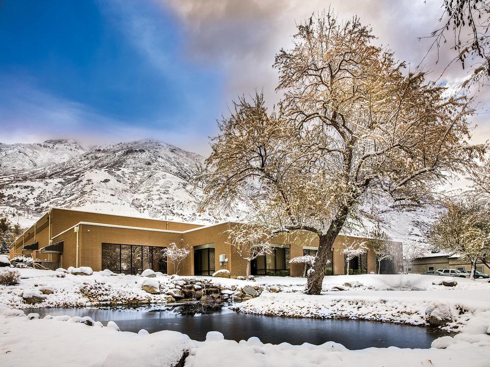 Khuôn viên xưởng Wilson Audio tại Provo, Utah, USA. (Ảnh: Jon Giolas)