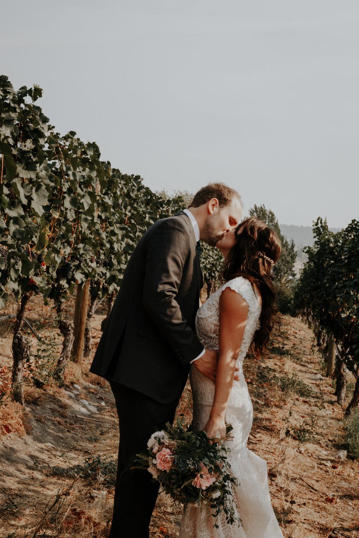 MEGAN AND DAN'S WEDDING    NARAMATA BENCH & OKANAGAN, CANADA