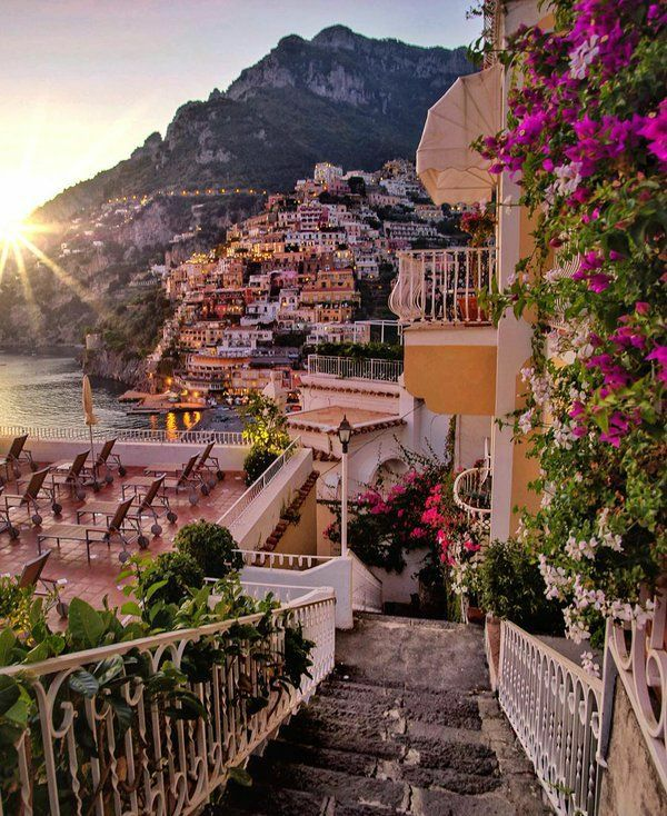 positano PLACES TO STAY -