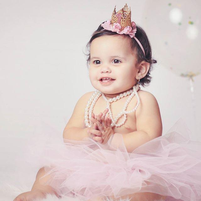 Yes a little princess that melt hearts!  #portrait #babyphotography #birthday #newborn #stillplusmotion #still+Motion #princess