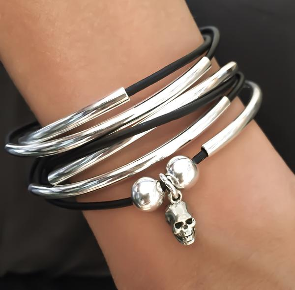 The Girlfriend with Skull Charm  has a fun edgy look with the included small skull charm.