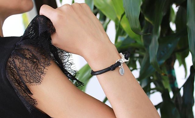 The simple and elegant  Diva  wrap bracelet.
