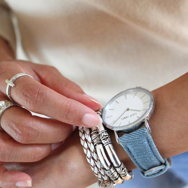 timeless-lizzy-watch-in-light-denim-stacked-with-maxi-in-natural-beach-leather_grande.jpg