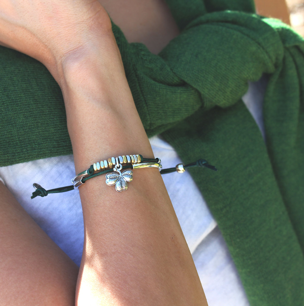 patty-joy-bracelet-st-patricks-green-colored-leather-lifestyle2.jpg
