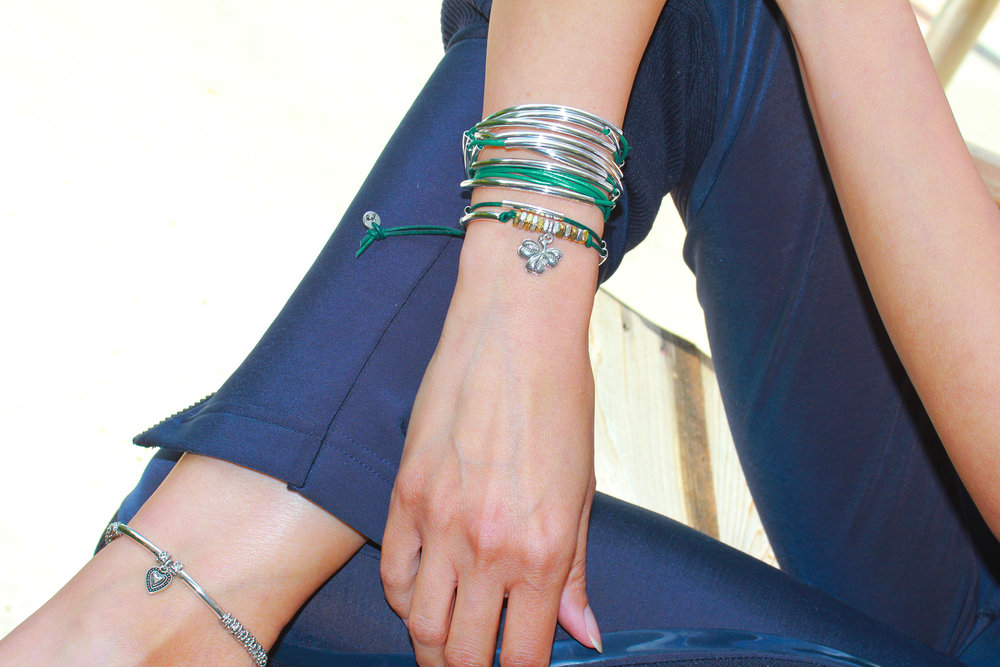 Looks great stacked with other styles, like the  Lizzy   Classic  shown.