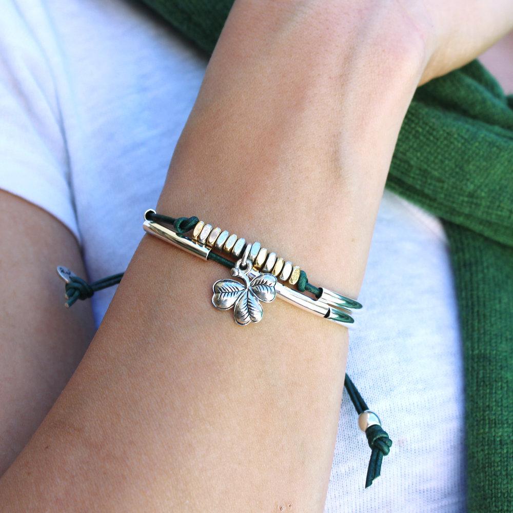 patty-joy-bracelet-st-patricks-green-colored-leather-t-shirt.jpg