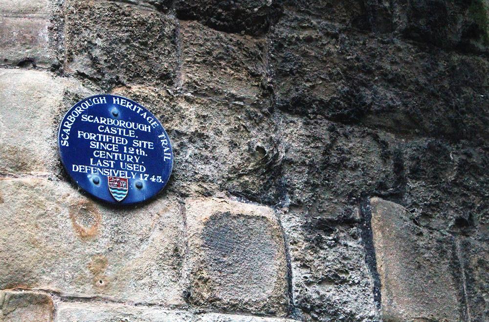 Scarborough Castle Blue Plaque.jpg