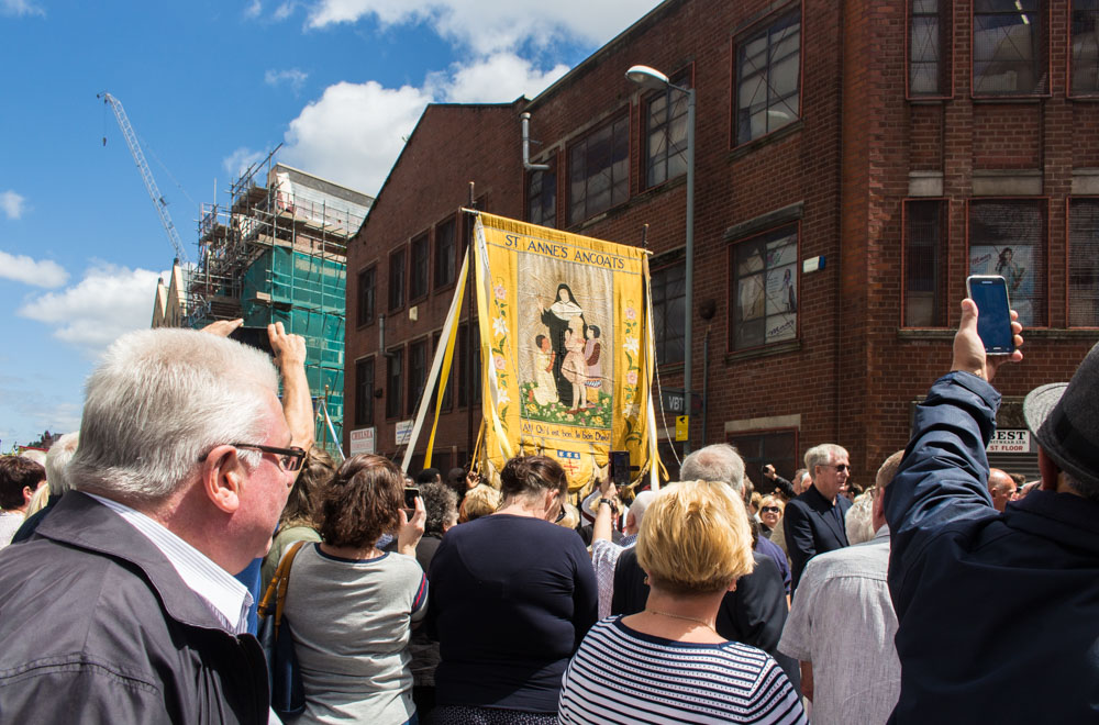 Procession through Ancoats (15 of 27).jpg