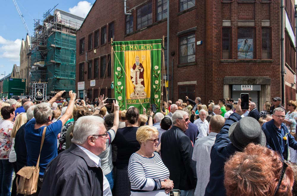 Procession through Ancoats (18 of 27).jpg