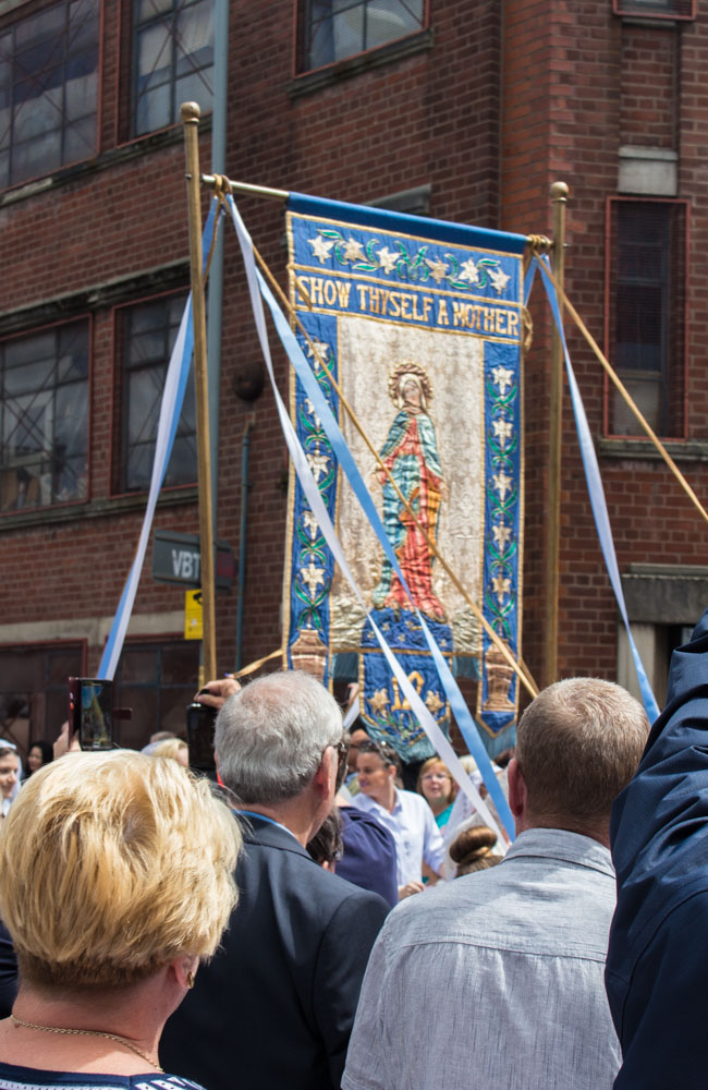 Procession through Ancoats (17 of 27).jpg