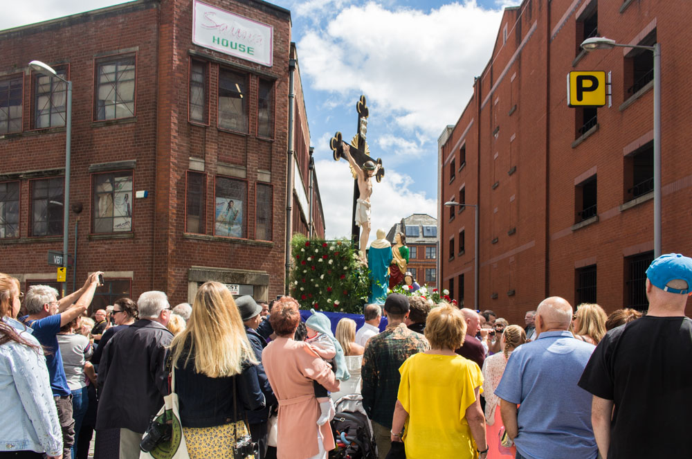 Procession through Ancoats (23 of 27).jpg