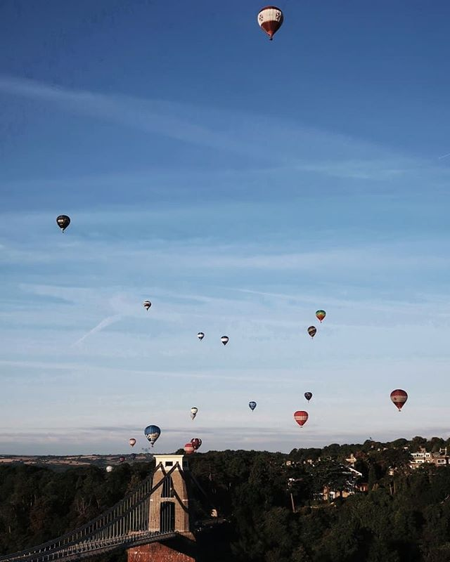 Ticked off something from the bucket list I didn't actually know was on it this past weekend - watching a mass ascent of 🎈 @bristolballoon's! • Swipe for a short vid and some dialled-down-to-about-a-three words from me (👂🏻sound on!) about the experience! • Have you been?  Balloon flight tickle yer fancy?  I remember seeing my Grandad go up in one many, many, many ('when I was a small girl') years ago, a something he'd wanted to do for a long time that my parents, aunt and uncle, and Nan gifted him. I think it might have taken place New Forest way, although for the life of me I can't tell you exact when and where details, however I can remember the atmosphere being a heady mix of excitement and nervousness, and hearing lots of laughter.  The best soundtrack to any memory! • Care to share one from your bucketlist, my friend? •