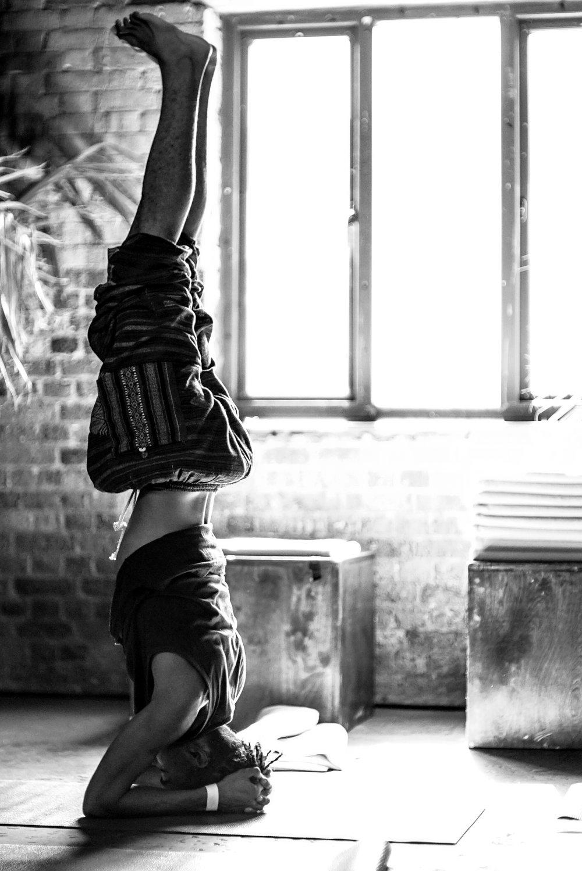yoga 02-09 B&W-26.jpg