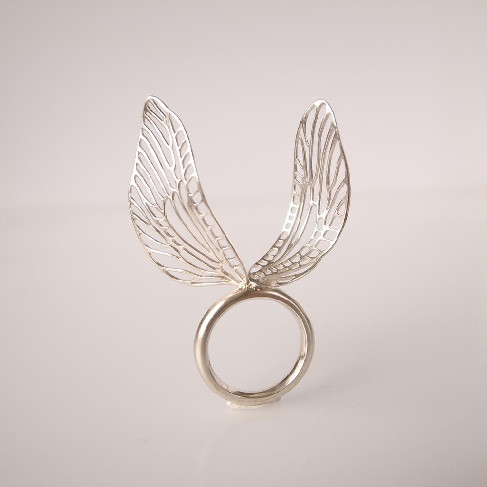 Item:Ring / Materials: Silver