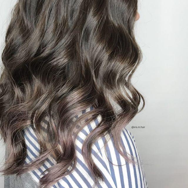 Just a hint of lavender 💟 . . . . #lavenderhair #lavender #subtlebalayage #popofcolour #joicocolorintensity #hairjoi #balayage #vancouver #vancouversalon #vancouverstylist #vancouverhair #yaletown #yaletownhair #brunette #longhair #shinyhair #happyhair