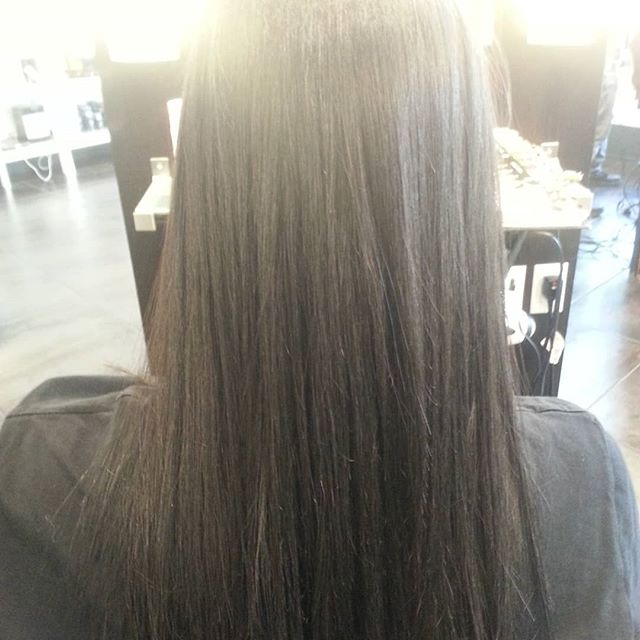 Before and after Keratin treatment  smooth shiny healthy hair #liquidkeratin #electriclondon_canada @loungehairyvr #vancouverhairstylist