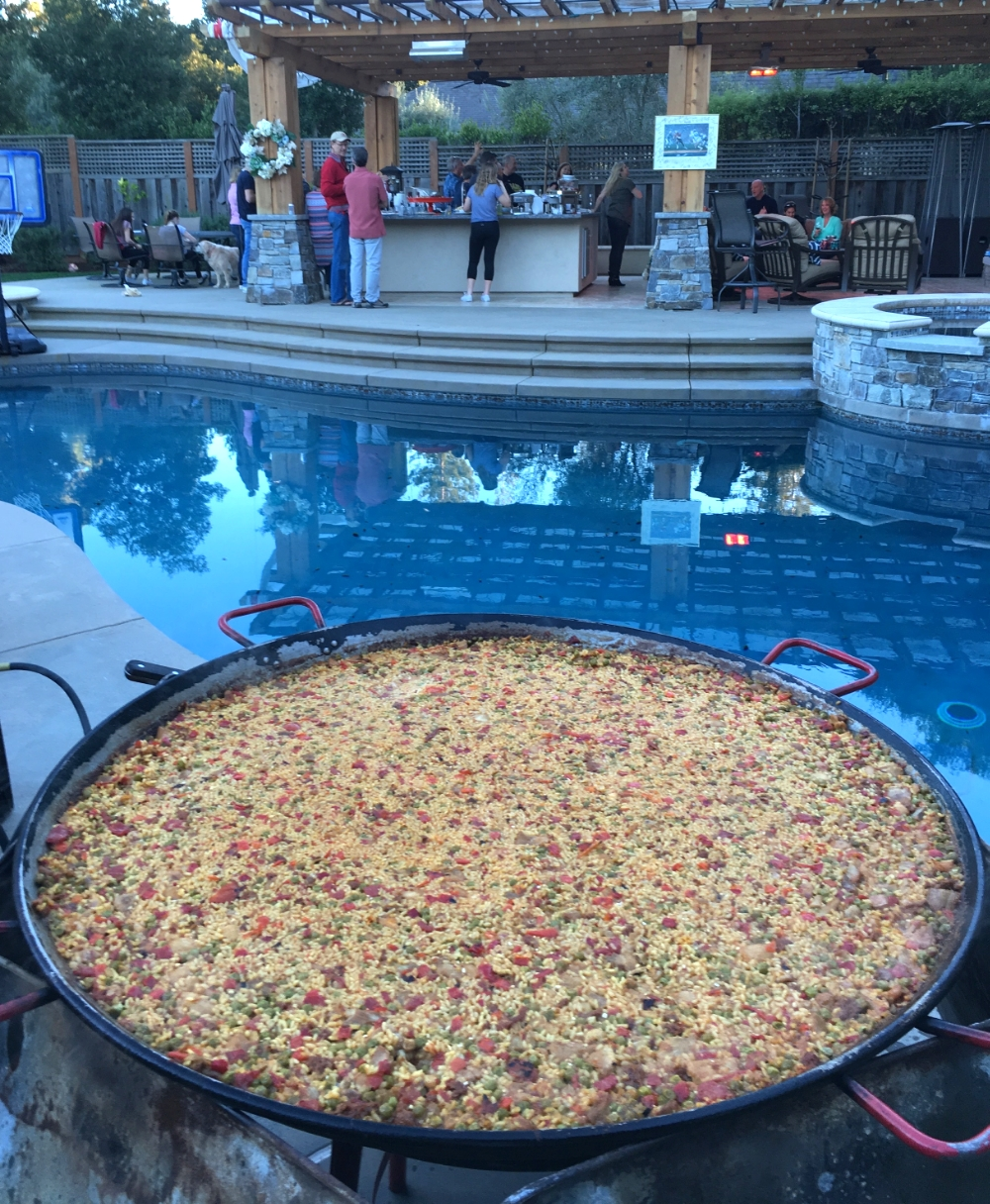 00_PaellaPoolparty.jpg