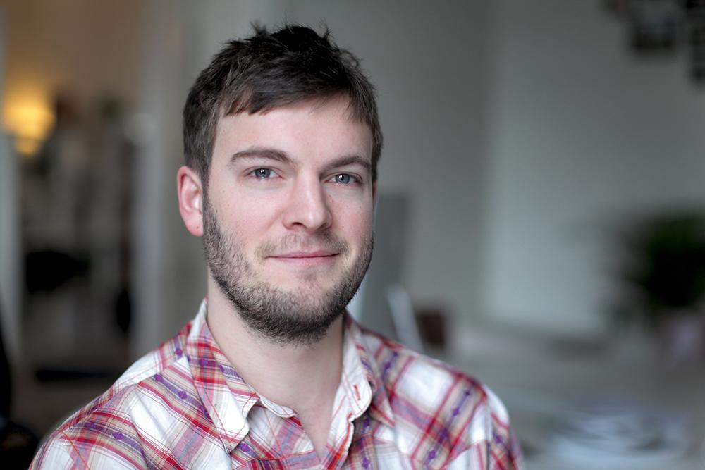John Petersson (Föräldraledig)   Production Assistant / Editor / DIT   +46 (0)735 - 93 99 73    john.petersson@vingaland.se
