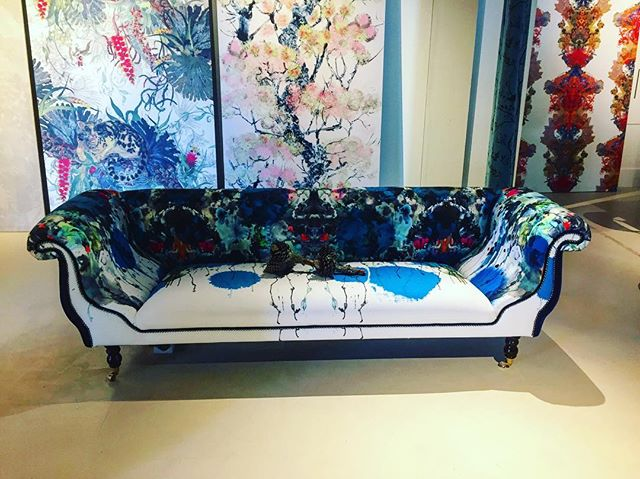 Some brands just force you to stop and stare @timorous_beasties  #londondesignweek2019 #interiordesigner #interiordesign #chdc #textilesandfurniture #inspo #furniture #furnituredesign #sourcing #scottish #couches#decorativedesigns#statementpiece