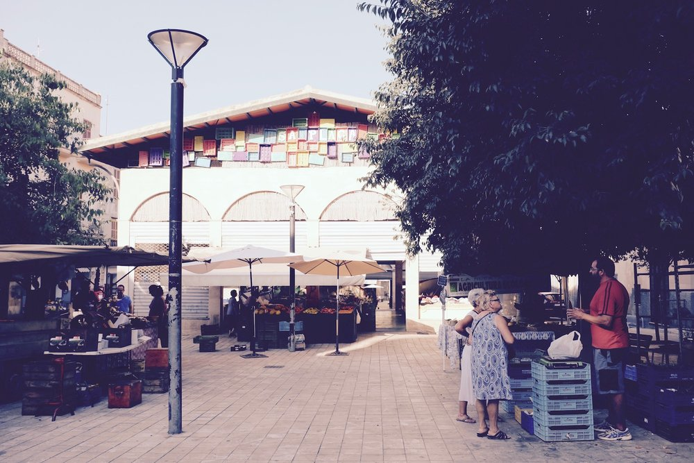 You can find CAFE SOCIAL here, just at the main entrance to the Fruit and Vegetable market
