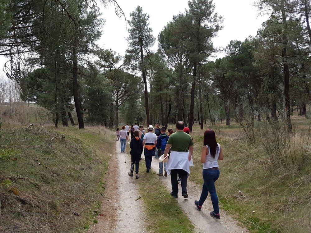 Comienza la ruta a buen paso donde interpretaremos la naturaleza, descubriremos los oficios que tenemos, fauna, juegos y diversión para todas las edades