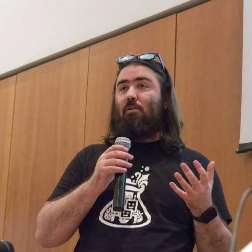Damien Cavaillès Développeur mobile et fondateur @LeClub