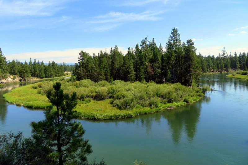 The Deschutes winds through LaPine State Park