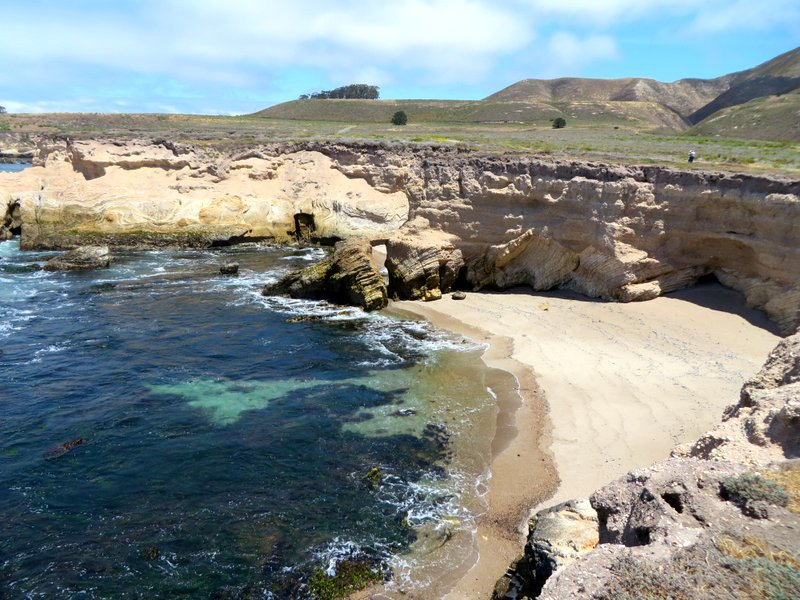 Rugged coastline at Montana de Oro State Park