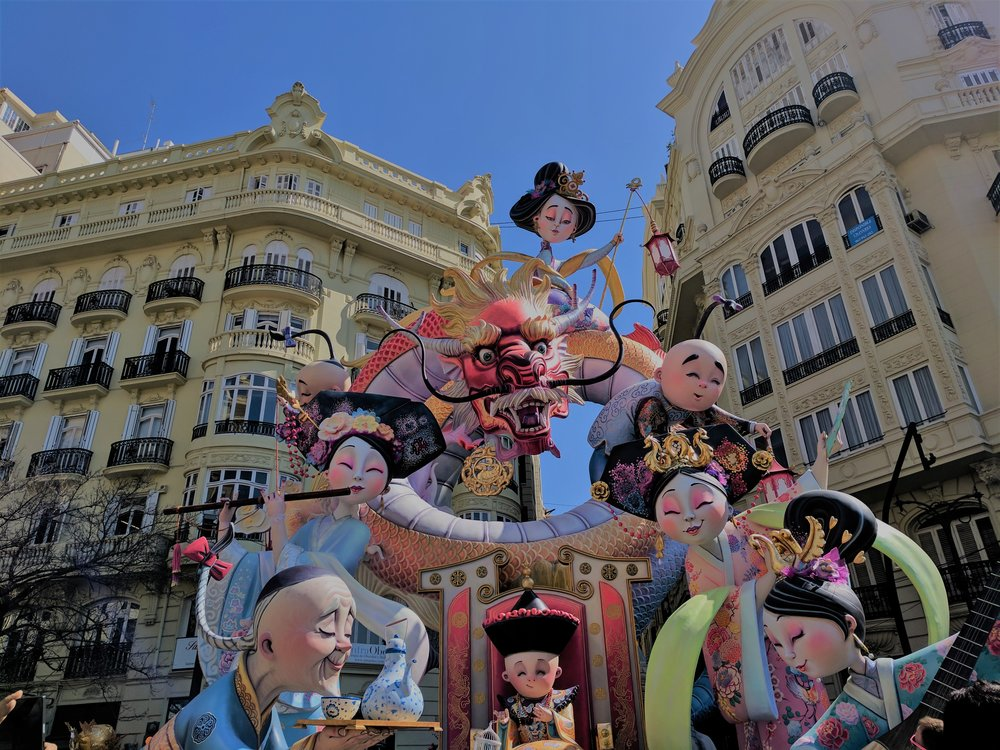 One example of a Fallas made up of multiple ninots