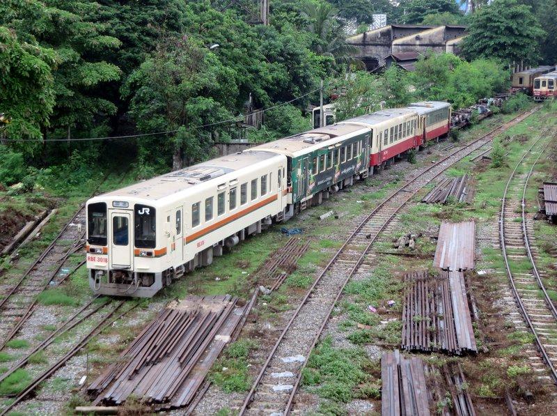 Yangon Myanmar Railway Station (1).JPG