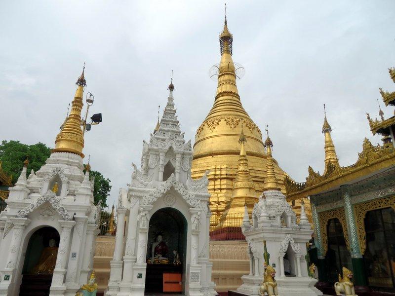 Yangon Myanmar Shwedagon Pagoda (20).JPG