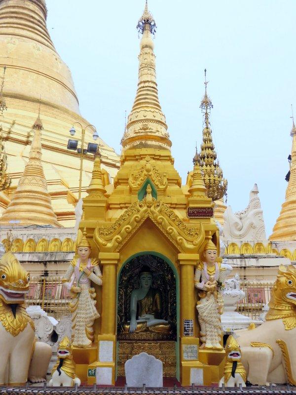 Yangon Myanmar Shwedagon Pagoda (38).JPG