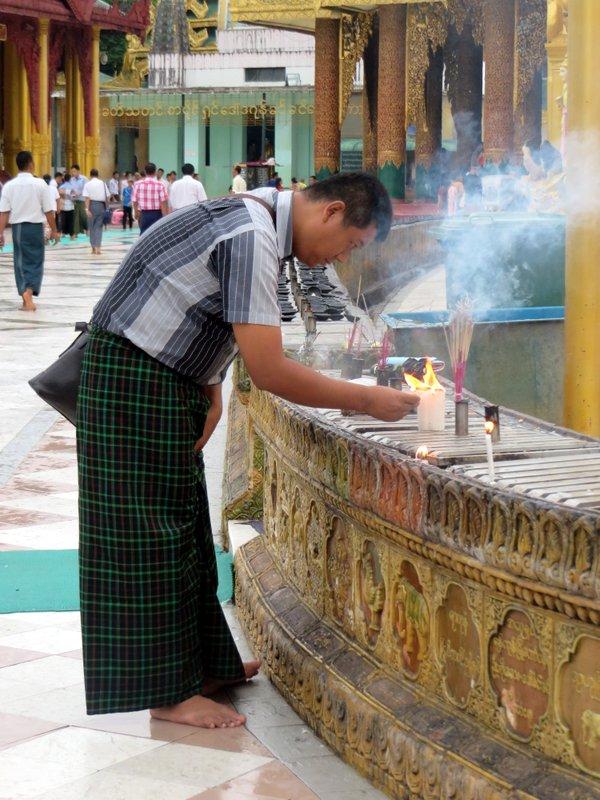 Yangon Myanmar Shwedagon Pagoda (51).JPG