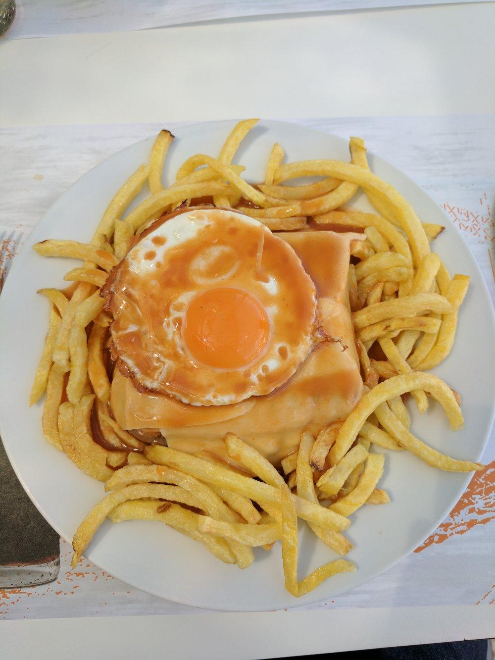 Adventures in Francesinha eating