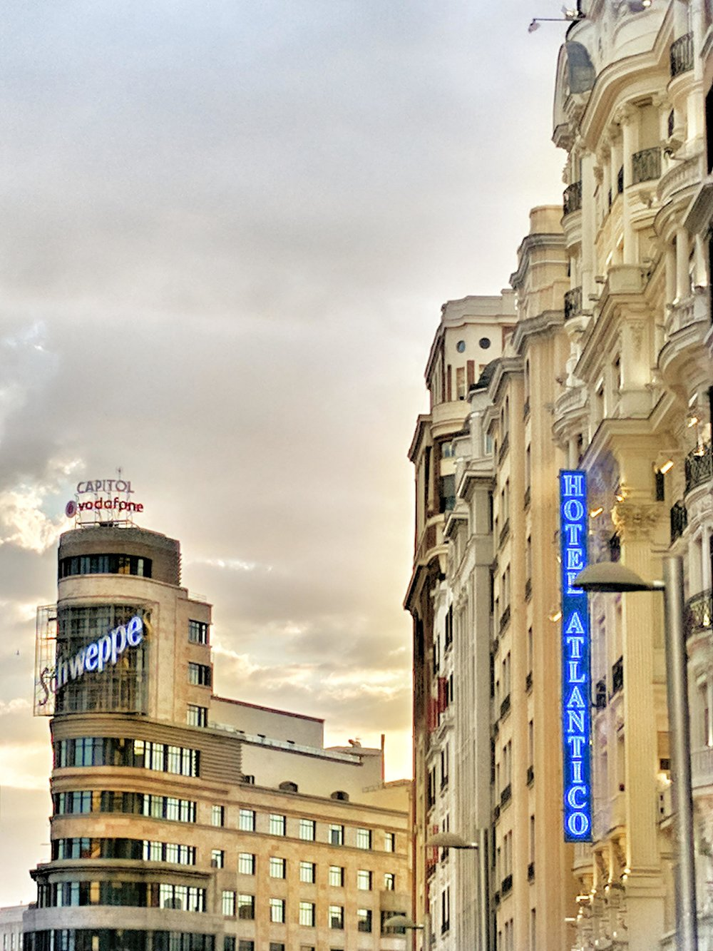 Gran Via Madrid.jpg