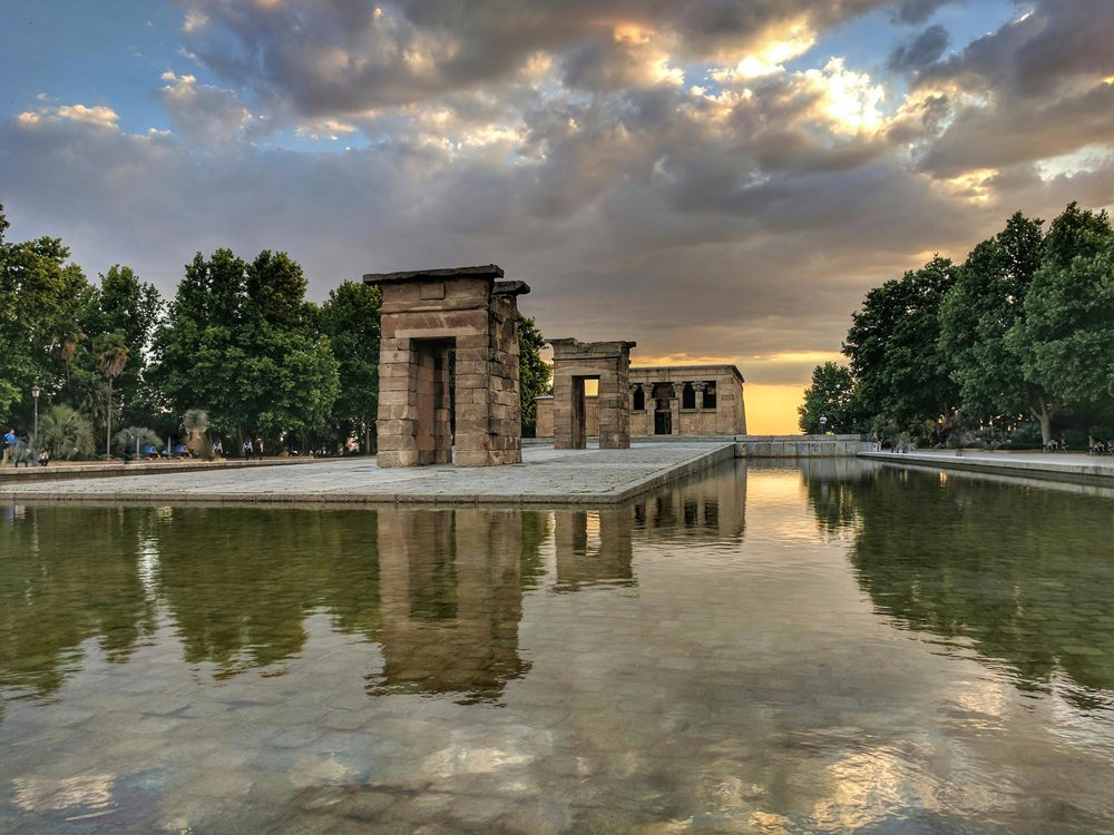 Sunset at Egyptian temple  Madrid.jpg