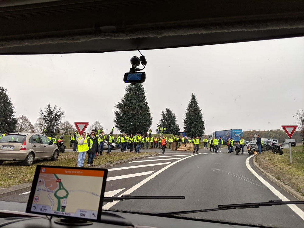 The typical roadblock scenes we saw all over France
