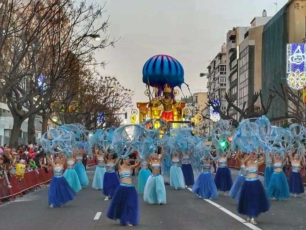 Sea of paraders.jpg
