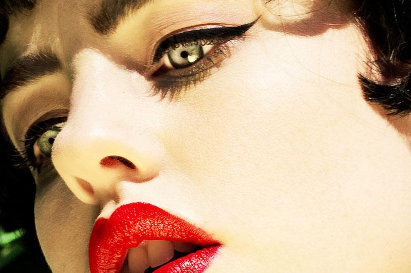 nadia-lee-red-lips