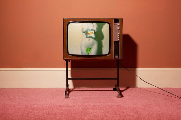 nadia-lee-tv-set