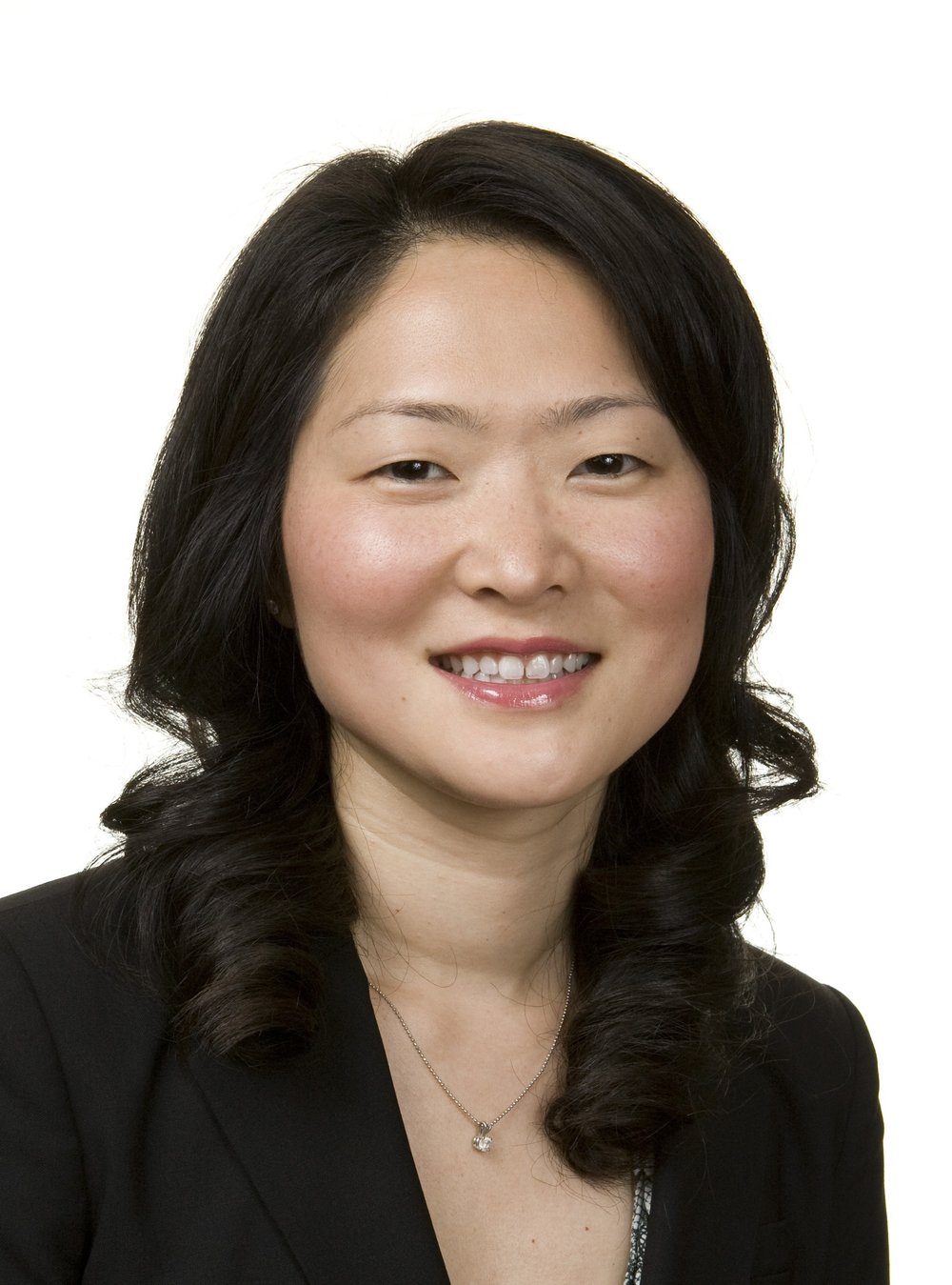 Cathy Hwang Dr. Catherine Hwang is an Orbital & Oculofacial plastic surgeon at the Cole Eye Institute at the Cleveland Clinic Foundation.  Dr. Hwang completed her training at the University of Pennsylvania as well as the University of California, Los Angeles. She practiced in Los Angeles and Beverly Hills and was an Assistant Clinical Professor at UCLA from 201-2016. She is an active member of the American Society of Oculoplastic and Reconstructive Surgery, American Academy of Ophthalomology,  and the American Academy of Cosmetic Surgery. Dr. Hwang has travelled nationally and internationally lecturing on botulinum toxin, fillers, filler complications and eyelid surgery.  She is also an active researcher investigating functional and cosmetic eyelid and orbital disorders.