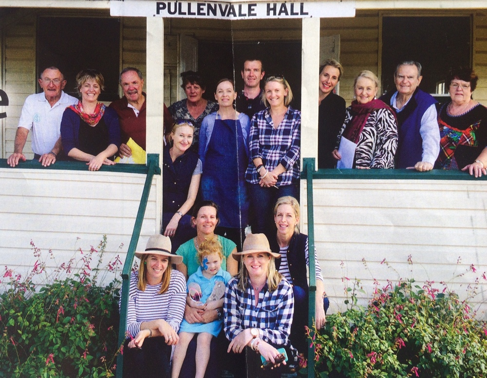 Committee and Past Committee of the Pullenvale Hall at the 2016 Back to Pullenvale Day