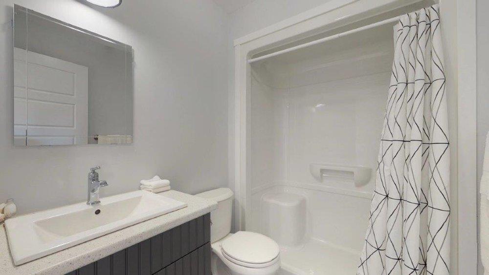 Quarterdeck-Room-319-Bathroom.jpg