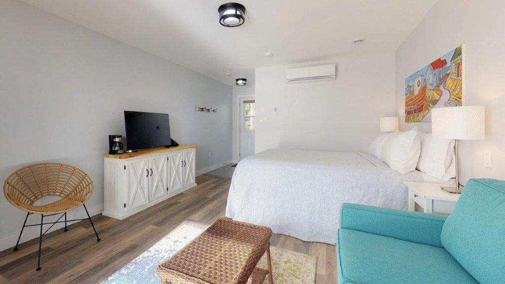 Quarterdeck-Room-319-Bedroom(3).jpg