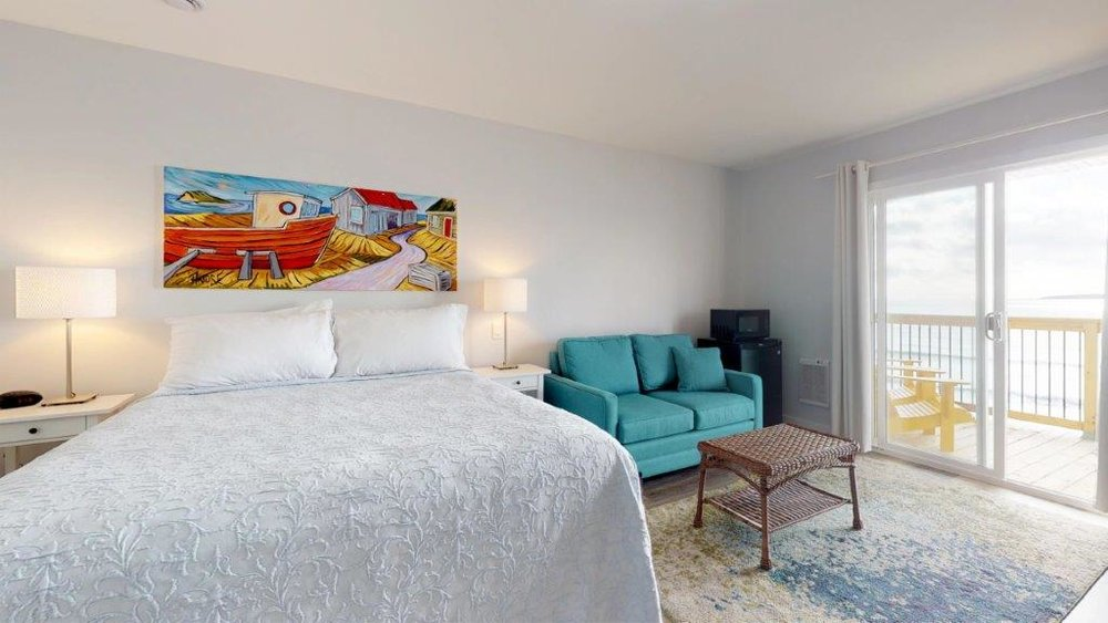 Quarterdeck-Room-319-Bedroom(4).jpg