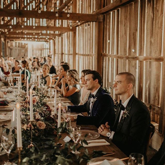 Our hearts are full when we have the opportunity to work with couples who invest their hearts into the rich history of the farm and all its inner workings, especially our resident bird dogs. 📸: @michaela.m.photography 🌹: @mahoniastudio