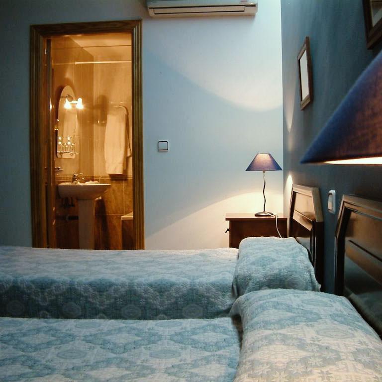 hostal01.jpg